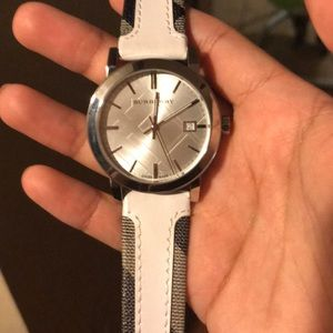 Authentic like new Burberry watch only worn once